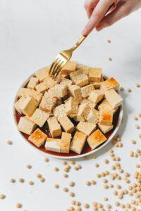 Valgud. Valgurikas. Taimsed valgud. Tofu. Valgud toidus